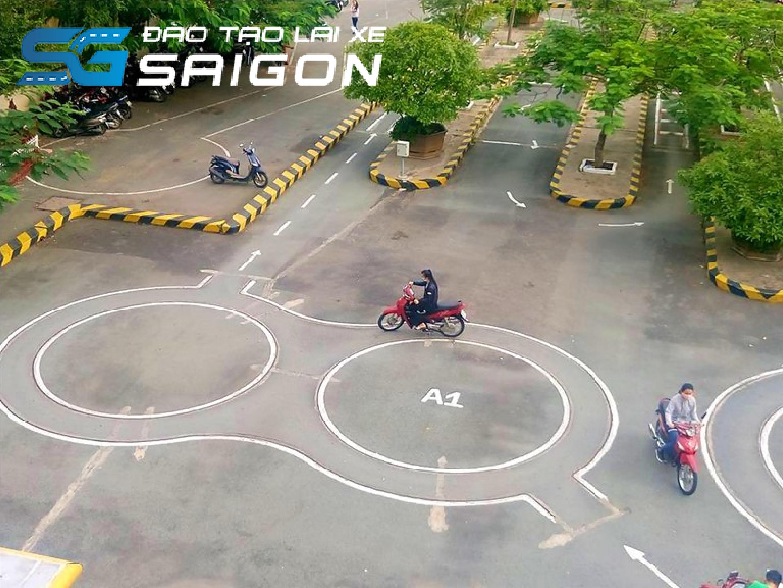 Vòng số 8 là phần thi khó nhất khi thi bằng lái xe máy A1 thực hành