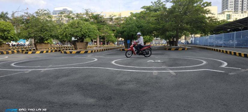 thi bằng lái xe máy bao nhiêu tiền