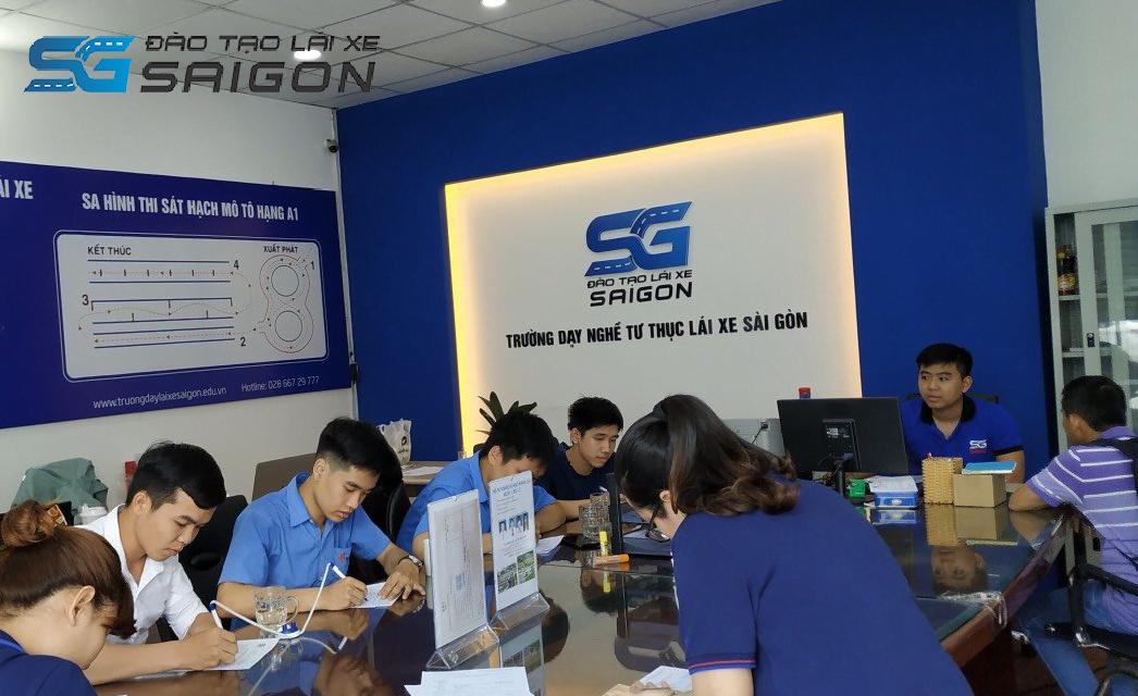 Trường Dạy Lái Xe Sài Gòn - Nơi đào tạo đăng ký thi bằng lái xe A1 tốt nhất
