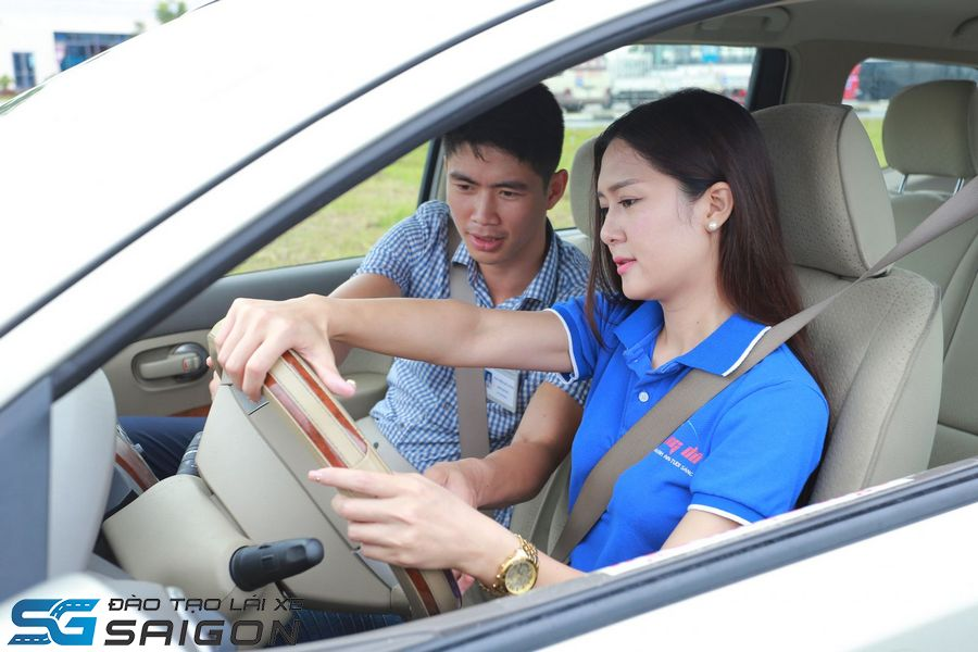 Đơn xin học lái xe B2 để cấp giấy phép lái xe là gì?