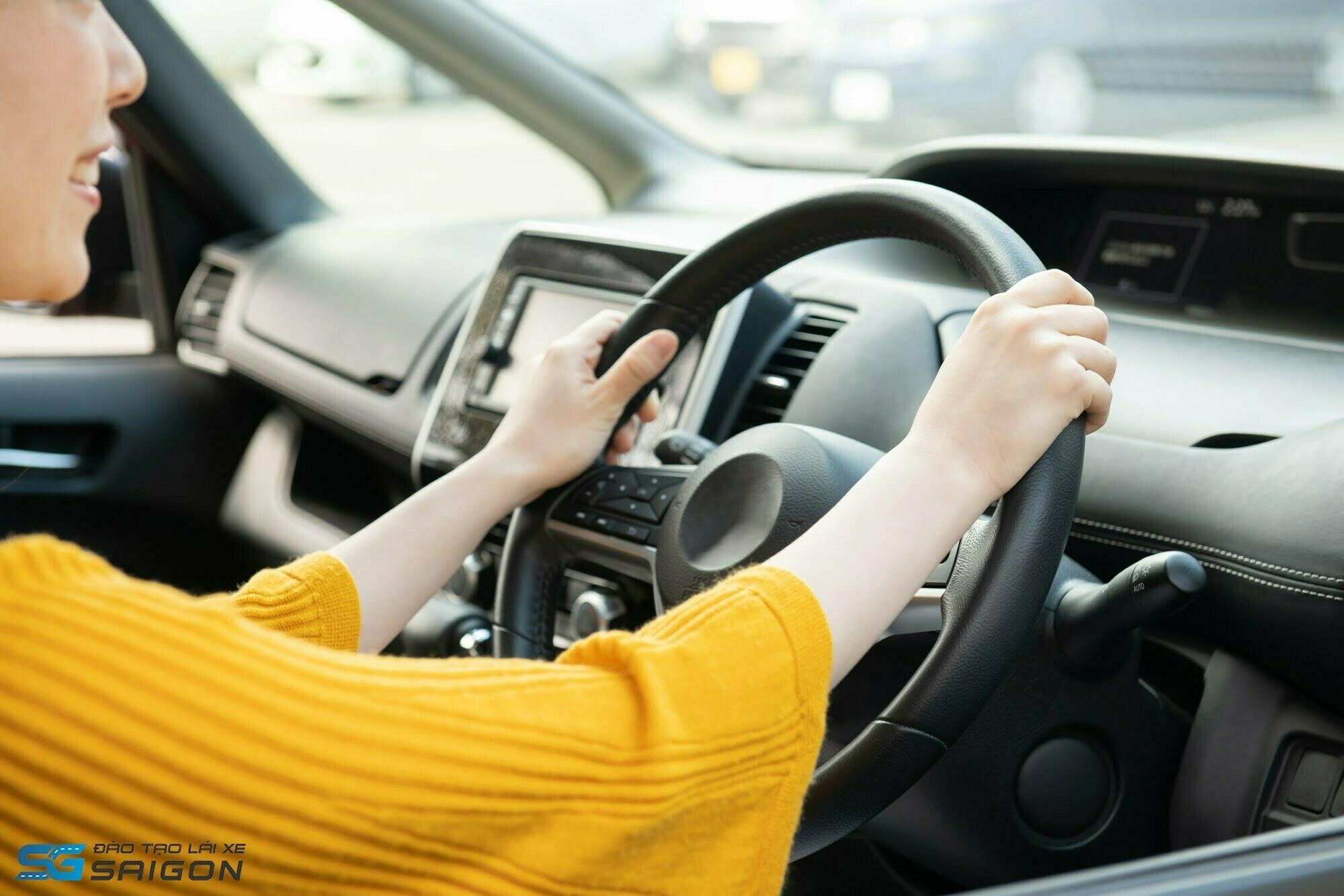 Mẹo học lái xe B2 600 câu về độ tuổi