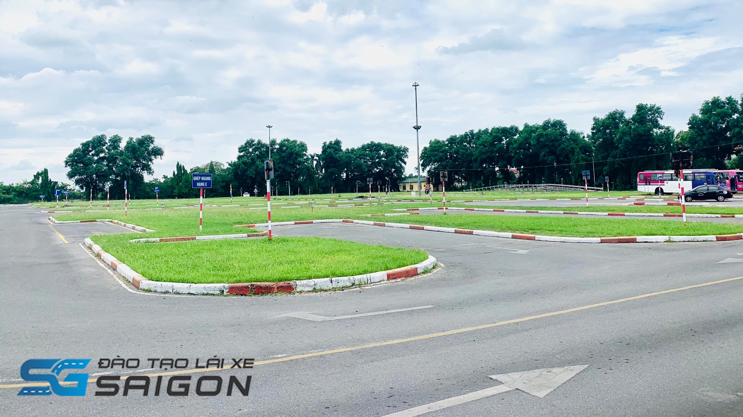 Hướng đến nhu cầu cần thiết này, dưới đây chúng tôi đã tổng hợp top 5 trung tâm đào tạo học lái xe ô tô B2 ở tại Biên Hoà, Bình Dương, Dĩ An để bạn đọc cùng tham khảo.